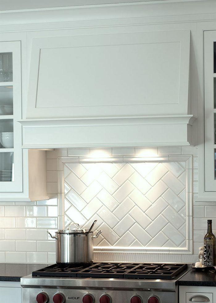 Mullet Cabinet Range Hood With Simple Design