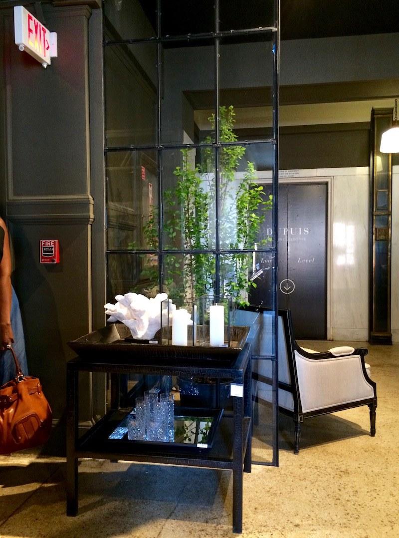 windowless room - Dupuis Showroom - photo by LBI